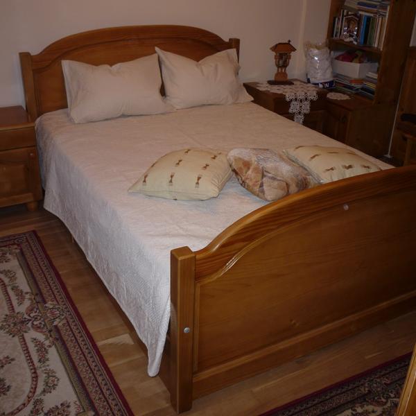 Dormitoare lemn masiv rasinos